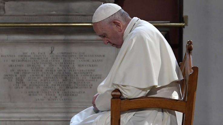 """Caso Viganò, Bergoglio 'non risponde': """"Con chi cerca scandalo meglio tacere"""""""