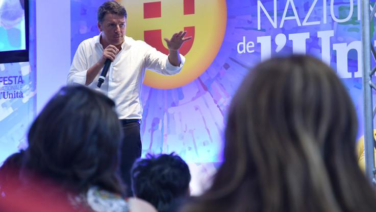 """Renzi lancia il Pd all'opposizione dura: """"Io non mollo, raddoppio"""""""