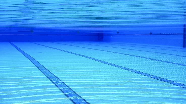 Nuoro, bimbo annegato in piscina: 4 indagati tra cui i genitori