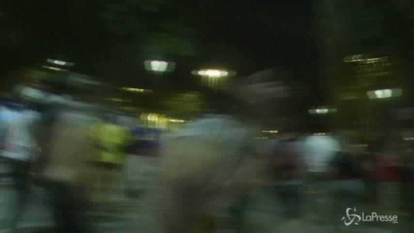 Francia campione, guerriglia urbana sugli Champs Elysees