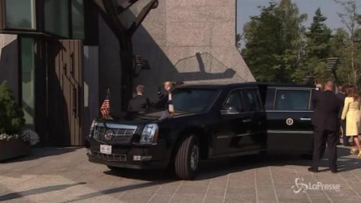 Vertice Trump-Putin: il presidente Usa accolto dall'omologo finlandese