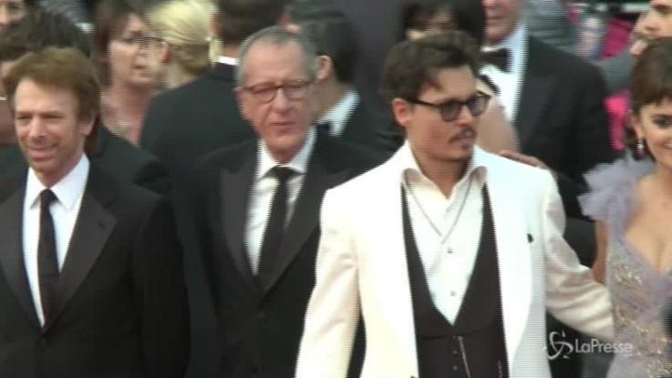 Johnny Depp: accordo con ex manager, niente processo