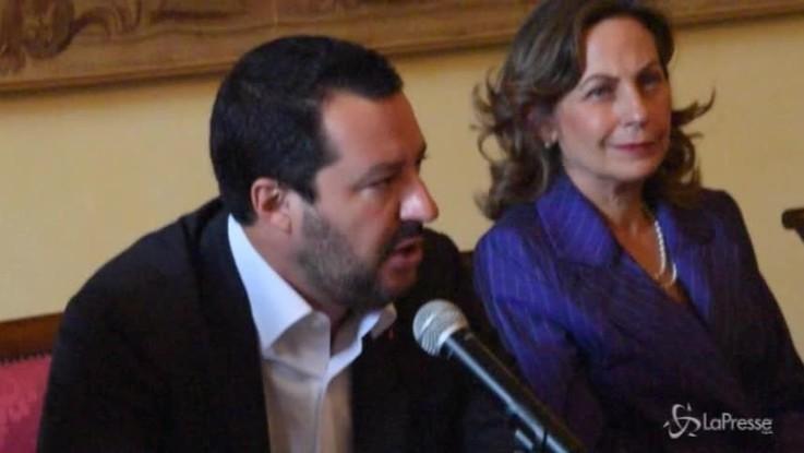 """Migranti, Salvini: """"Voglio salvare tutti ma anche fermare gli arrivi"""""""