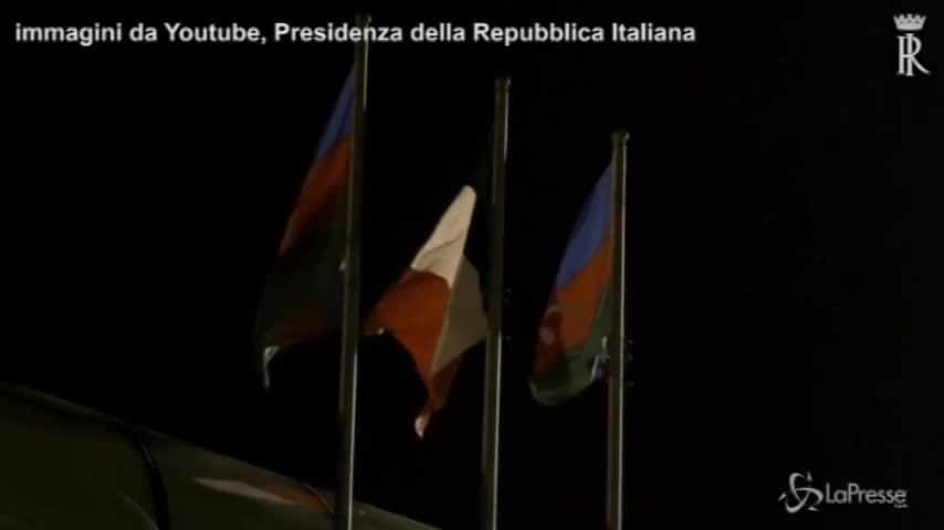 Mattarella arriva a Baku per l'incontro con Aliyev