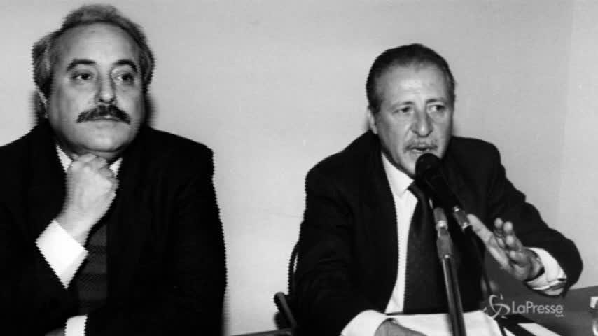 """Trattativa Stato-mafia, la Corte: """"Dell'Utri favorì i piani di Riina"""""""