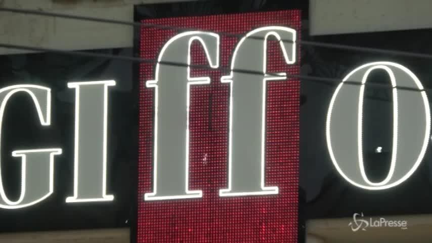 Giffoni Film Festival, bagno di selfie per i vip