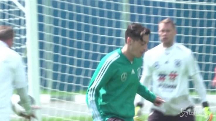 Ozil lascia la nazionale tedesca