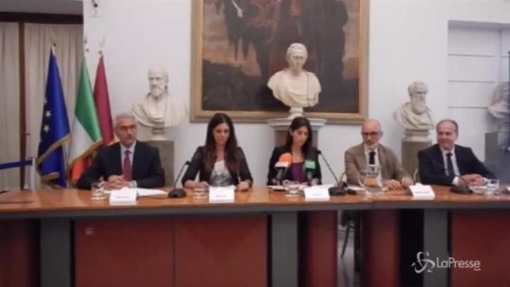 "La gaffe di Virginia Raggi: presenta la ""sindaca"" Linda Meleo"