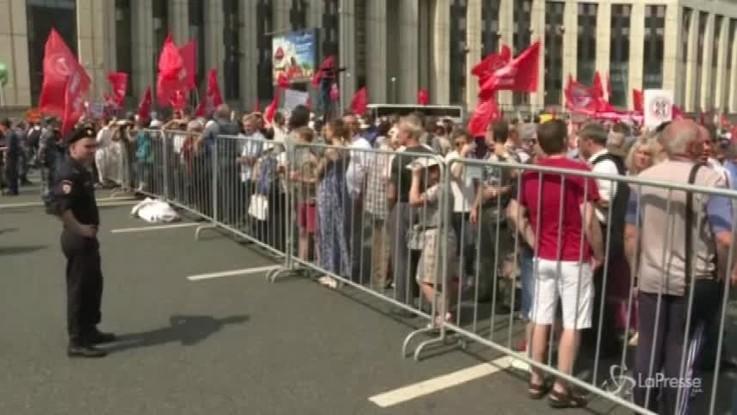 Russia, migliaia in piazza contro la riforma delle pensioni
