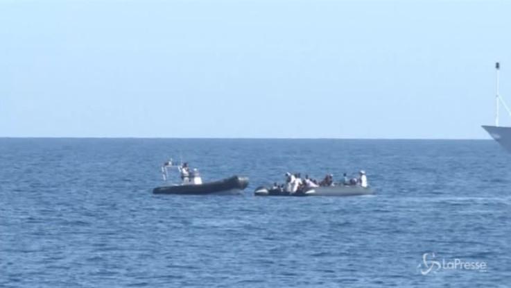 """Nave italiana riporta in Libia migranti. Salvini: """"Guardia costiera non coinvolta"""""""
