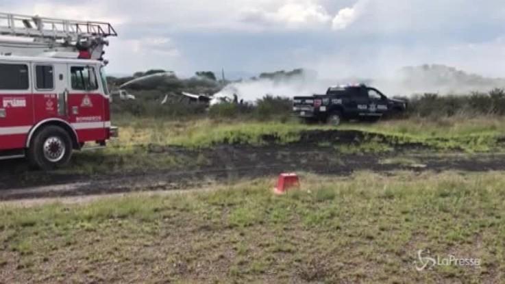Messico, aereo si schianta poco dopo decollo