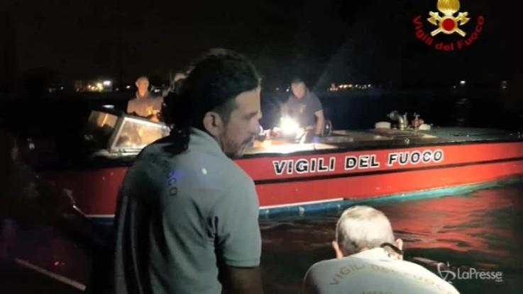 Venezia, barca di pescatori travolta da motoscafo: due morti