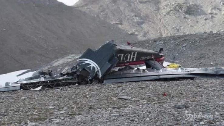 Svizzera, precipita aereo turistico: 20 morti