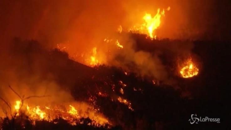 California ancora nella morsa degli incendi: 20mila evacuati