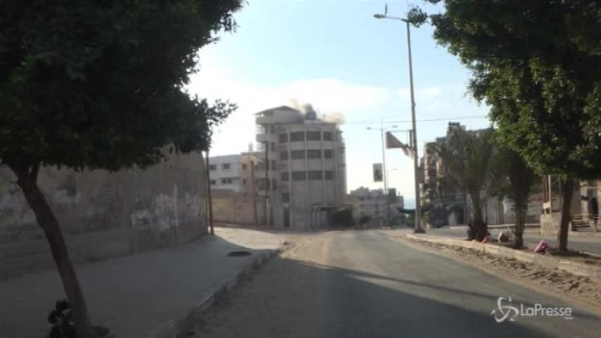 Gaza, Hamas annuncia la tregua. Tel Aviv smentisce