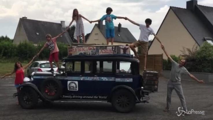 Il giro del mondo degli Zapp: dal 2000 in viaggio su un'auto del 1928