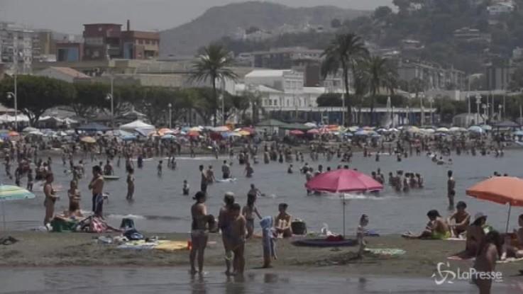 Legambiente, il 60% delle spiagge in mani private