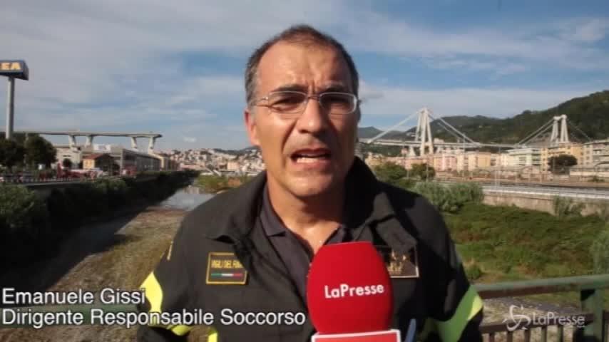 """Crollo ponte Genova, vigile del fuoco: """"Molte persone estratte vive"""""""