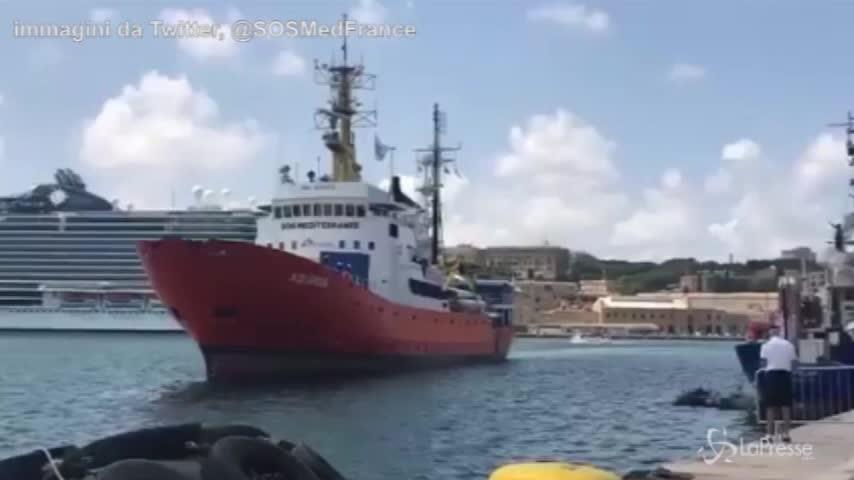 La nave Aquarius arriva a Malta