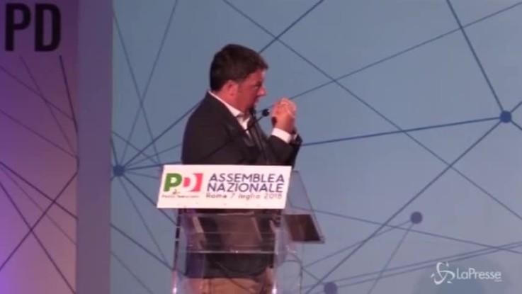 """Renzi replica a Di Maio: """"Mio governo non ha preso soldi dai Benetton, vicepremier è uno sciacallo"""""""