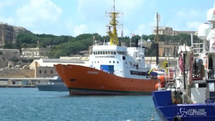 "Aquarius, Malta comunica: ""Migranti anche in Italia"""