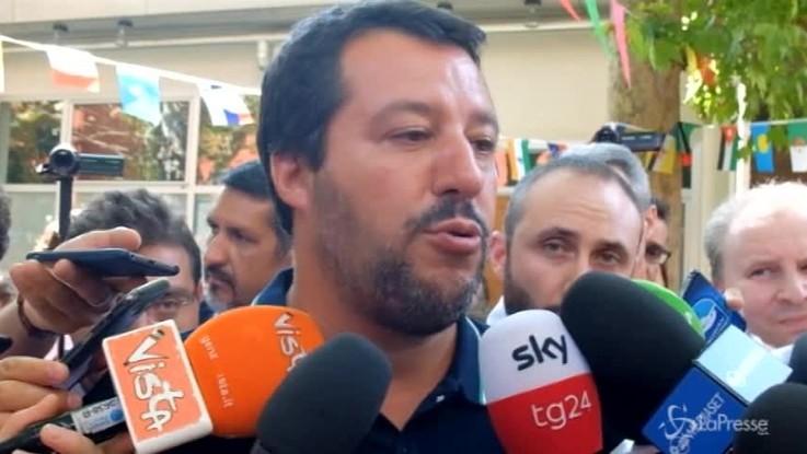 """Genova, Salvini: """"Mi arrivano centinaia di foto di ponti, le verifiche sono in corso"""""""