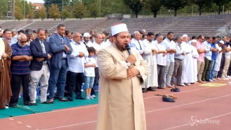 Milano, migliaia di musulmani all'Arena Civica per la Festa del Sacrificio