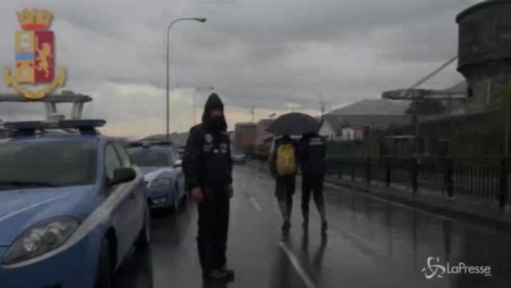 Genova, sotto il ponte crollato: le drammatiche immagini inedite della Scientifica