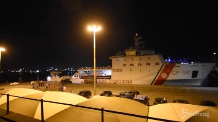 Catania, 27 minori sbarcati dalla nave Diciotti