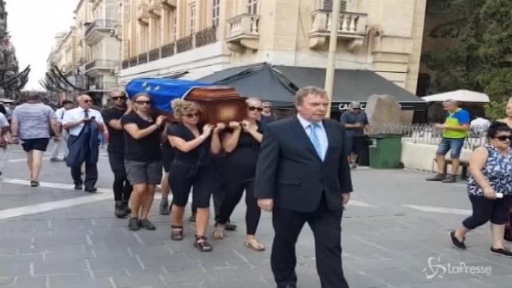 "Malta, una bara per i ""diritti umani uccisi"""