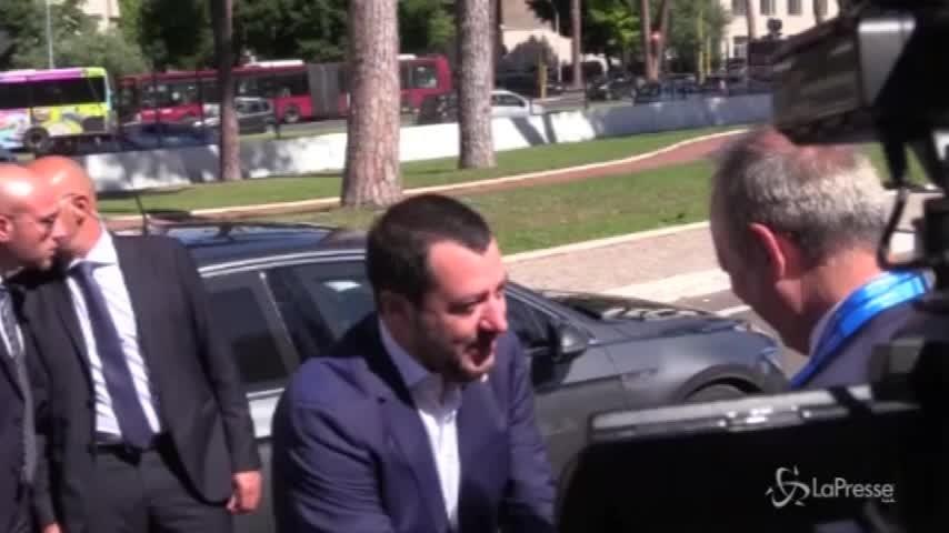 """Salvini: """"Le Ong non toccheranno mai più un porto italiano"""""""