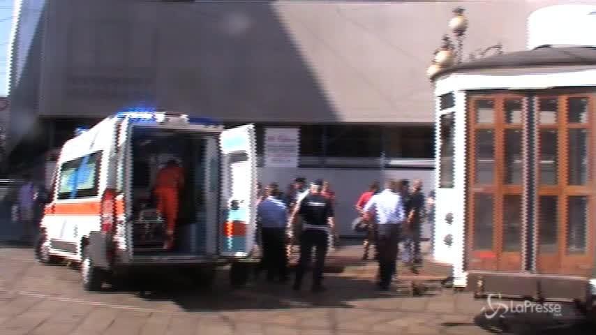 Milano, scontro tra due tram a Piazza Cordusio: ferite 6 persone