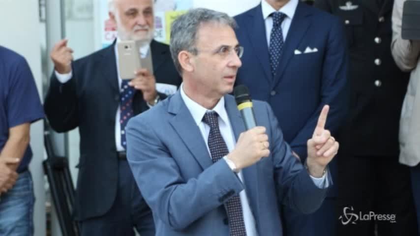"""Costa presenta dl Terra dei Fuochi: """"Chi inquina è un mafioso"""""""