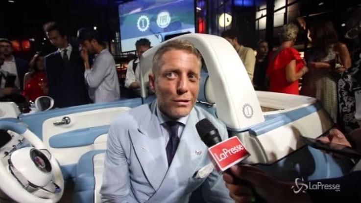 Rinasce la 500 Spiaggina, Lapo la festeggia a Garage Italia