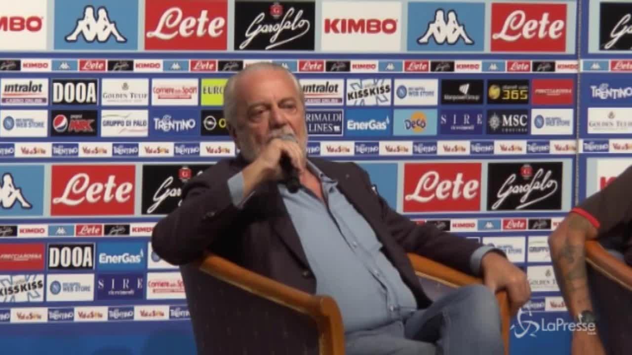 """Napoli, De Laurentiis: """"Cavani? Ha un ingaggio troppo alto"""""""