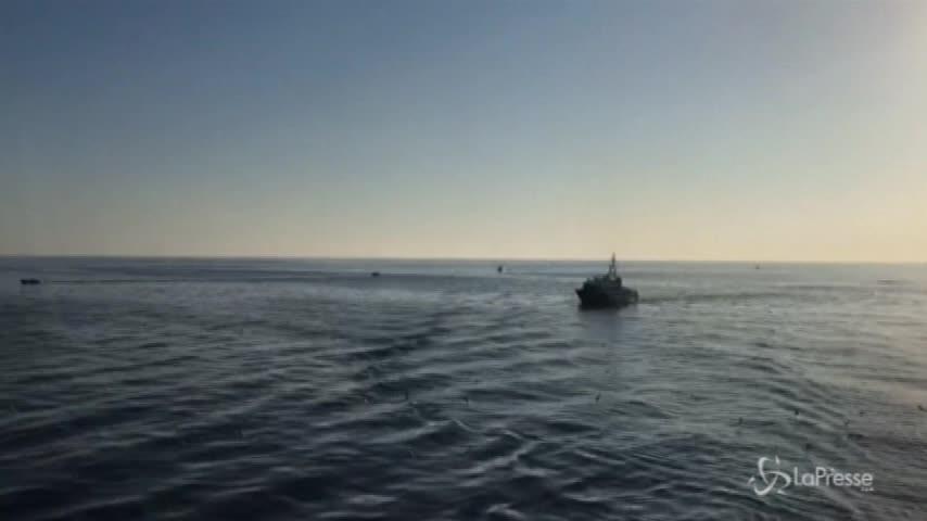 Migranti, svuotato il barcone diretto a Lampedusa
