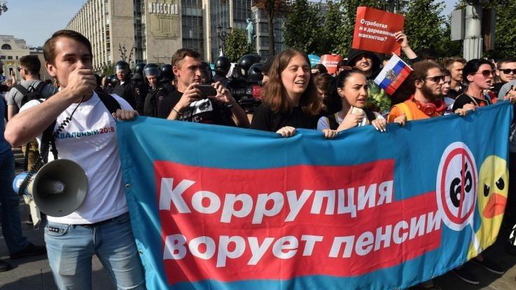 russia proteste pensioni arresti voto