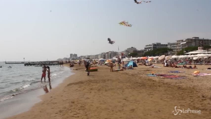 Jesolo, turista quindicenne violentata in spiaggia