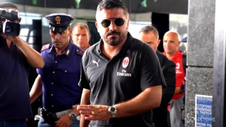 Il Milan in viaggio verso Napoli per il big match del San Paolo
