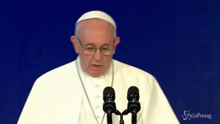 """Pedofilia, Papa Francesco: """"La Chiesa ha fallito, provo dolore e vergogna"""""""