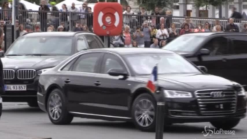 Emmanuel Macron e Brigitte incontrano la Regina di Danimarca