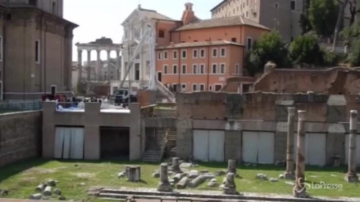 Crollo Roma, Vigili del fuoco mettono in salvo la statua di San Giuseppe