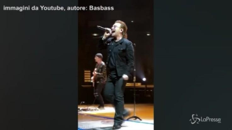 U2, Bono Vox senza voce sospende il concerto di Berlino