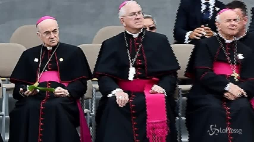 Da Viganò nuove accuse a Papa Francesco