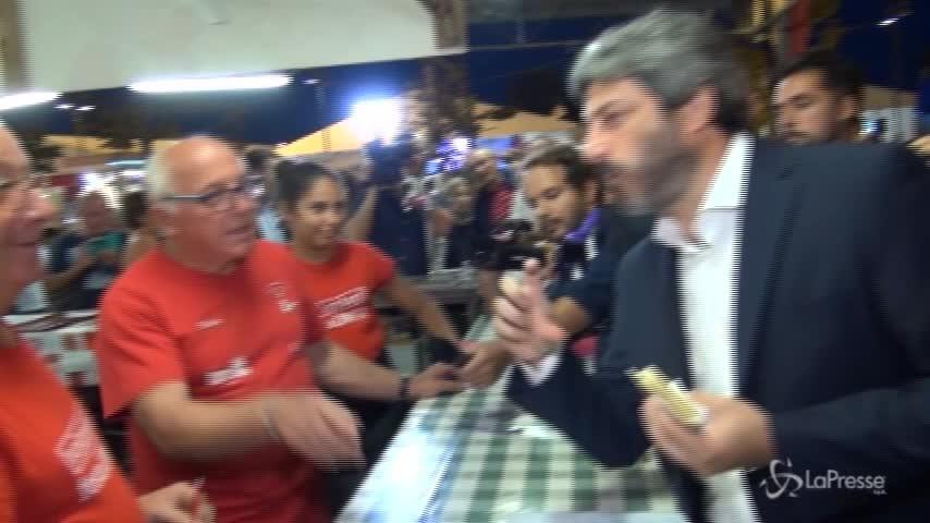 Ravenna, Fico scherza con i volontari della Festa dell'Unità