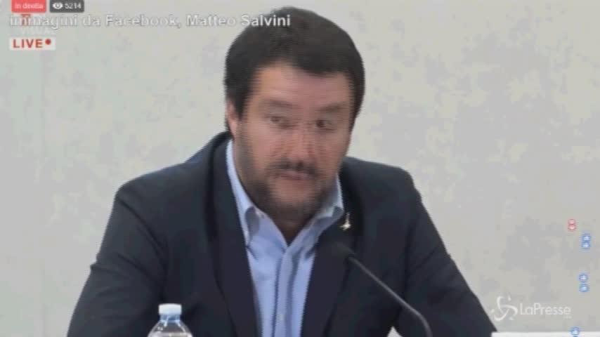 """Manovra, Salvini conferma: """"Subito giù le tasse, riforma pensioni e reddito cittadinanza"""""""