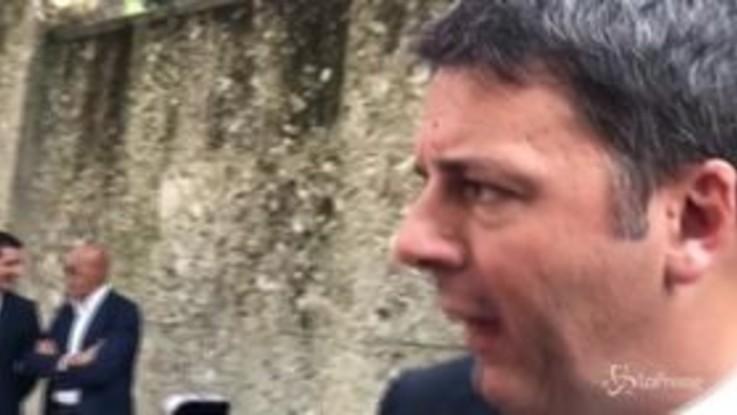 """Renzi: """"Mi aspetto che il M5S imponga l'obbligo della siesta"""""""