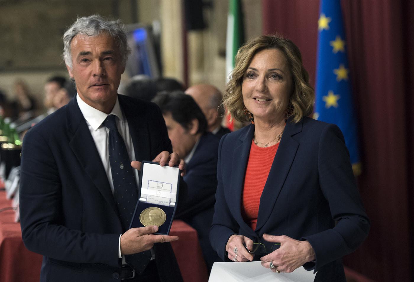 Via ai talk show politici: Palombelli-Gruber comandano le donne