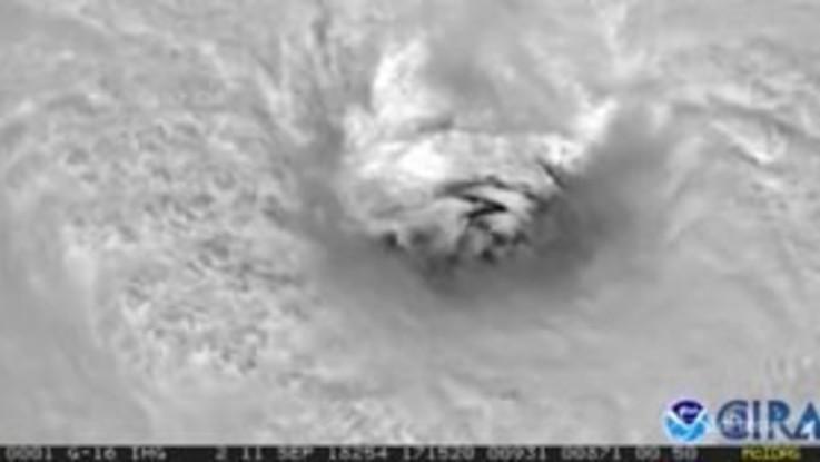 L'uragano Florence si avvicina alla costa sud-est degli Usa
