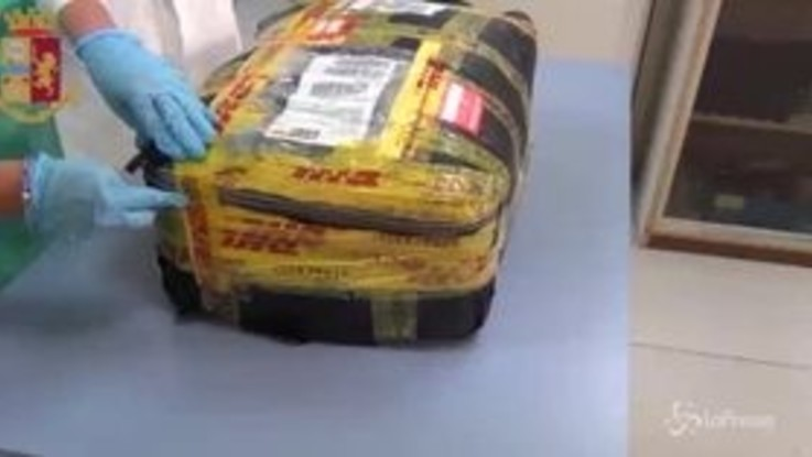 Dall'Afghanistan a Cagliari, ecco come i corrieri occultano la droga nelle valigie